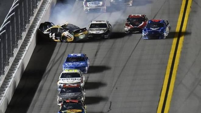 Weshalb kam es in Daytona so häufig an der Spitze zu Unfällen?