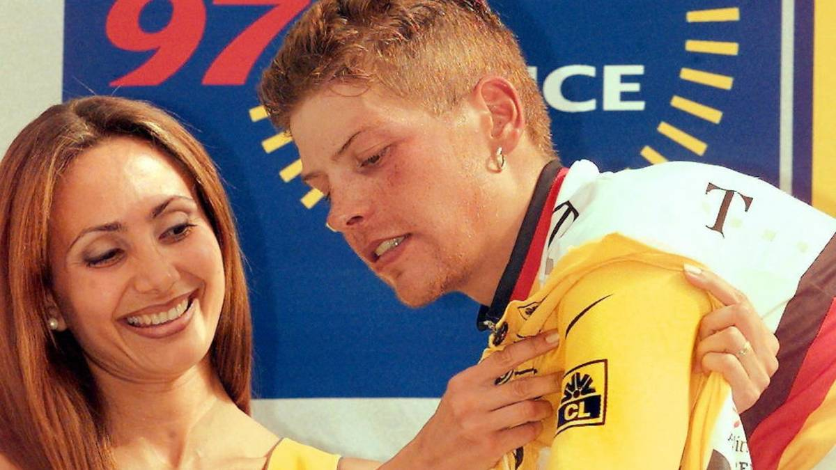 Jan Ullrich stürmt am 15. Juli 1997 ins Gelbe Trikot