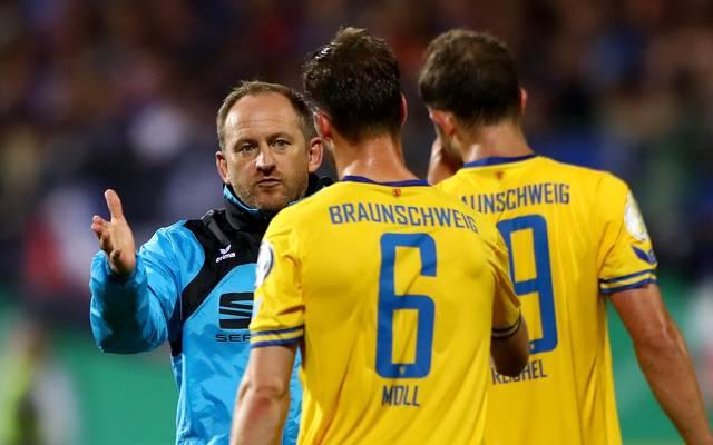 Braunschweig-Coach Torsten Lieberknecht kann mit dem Saisonstart nicht zufrieden sein