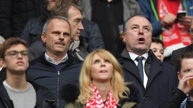 Jochen Schneider (o.l.) wird neuer Sportvorstand bei Schalke 04
