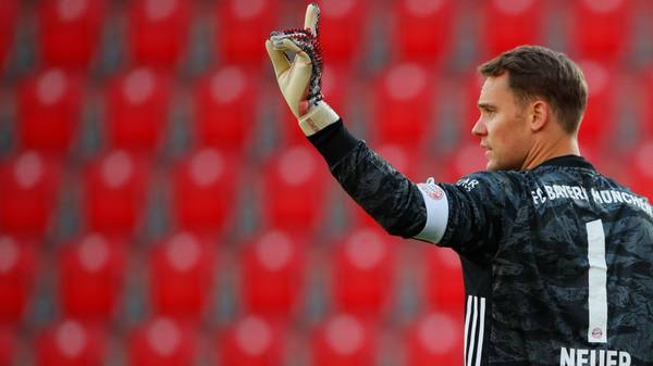 BERLIN, GERMANY - MAY 17: Manuel Neuer of Bayern Munich during the Bundesliga match between 1. FC Union Berlin and FC Bayern Muenchen at Stadion An der Alten Foersterei on May 17, 2020 in Berlin, Germany. The Bundesliga and Second Bundesliga is the first professional league to resume the season after the nationwide lockdown due to the ongoing Coronavirus (COVID-19) pandemic. All matches until the end of the season will be played behind closed doors. (Photo by Hannibal Hanschke/Pool via Getty Images)