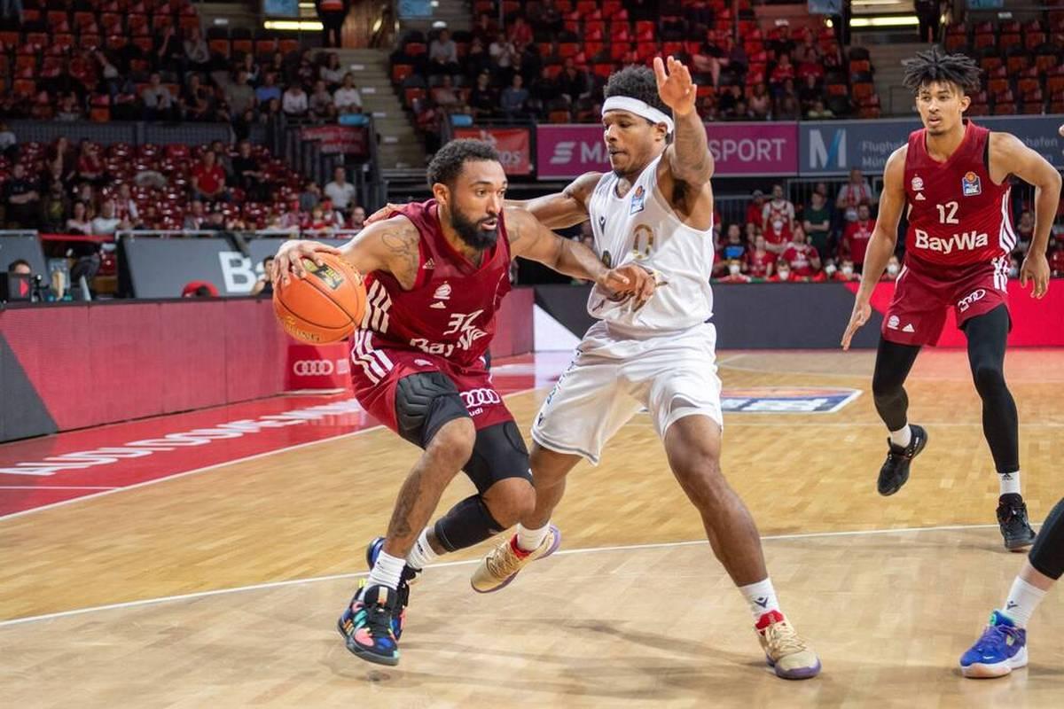 Basketball-Pokalsieger Bayern München fährt in der Bundesliga im zweiten Anlauf den ersten Saisonsieg ein. ALBA Berlin stolpert wieder.