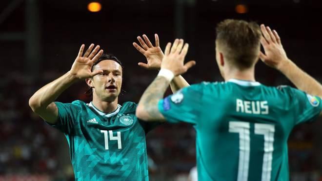 Nico Schulz (l.) wird das EM-Qualifikationsspiel gegen Nordirland verletzungsbedingt verpassen