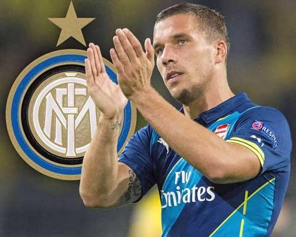 """Podolski wechselt nach zweieinhalb Jahren beim FC Arsenal zu Inter Mailand, wird bis Saisonende von den """"Gunners"""" ausgeliehen. Podolski freut sich, ruft seinen neuen Fans zu: """"Ich bin glücklich, forza Inter"""""""