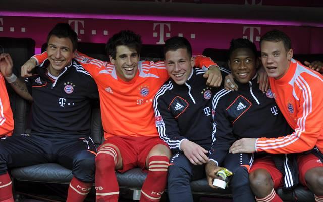 Pierre-Emile Höjbjerg (3.v.r.) holte mit dem FC Bayern 2013 das Triple