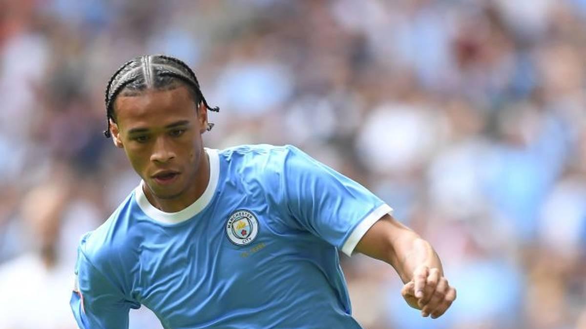Seit Freitag ist offiziell bekannt, dass Leroy Sané seinen auslaufenden Vertrag bei Manchester City nicht verlängern wird. Zu einem möglichen Bayern-Transfer halten sich die Verantwortlichen noch bedeckt.