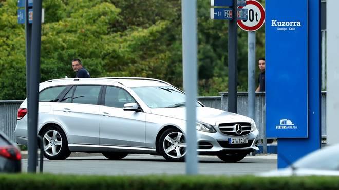 Clemens Tönnies bei seiner Ankunft am Schalker Vereinsgelände am Dienstagabend