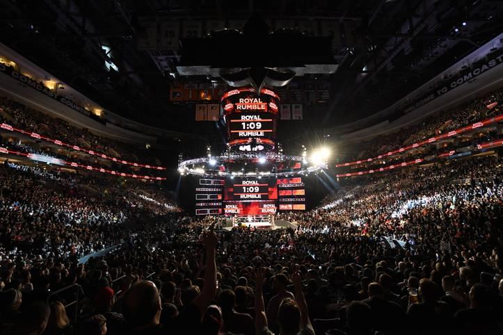10, 9, 8, 7 ... Wrestling-Fans kennen das jährliche Ritual: Beim WWE Royal Rumble entern 30 Männer (und erstmals auch 30 Frauen) den Ring, einer bleibt übrig und gewinnt ein großes Titelmatch bei WrestleMania. SPORT1 zeigt die Bilder einer turbulenten Show voller Überraschungen