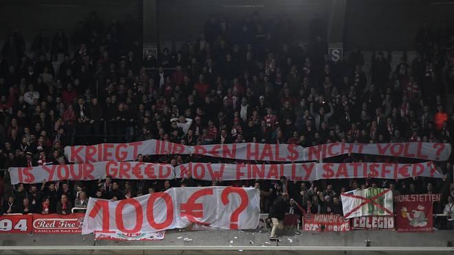 Fans des FC Bayern protestierten beim Spiel in Anderlecht gegen überteuerte Ticketpreise
