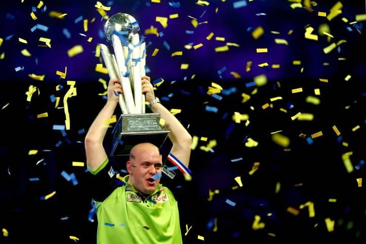 """Endlich fliegen die Pfeile im Ally Pally wieder! Die Darts-WM 2020 (täglich LIVE auf SPORT1) könnte eine der hochklassigsten und spannendsten der vergangenen Jahre werden. Michael van Gerwen ist der absolute Topfavorit, aber Gerwyn Price und einige andere Hochkaräter rütteln am Thron der """"Green Machine"""""""