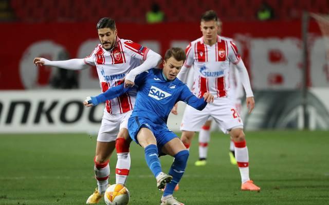 Dennis Geiger (M.) agierte bei Hoffenheim im zentralen Mittelfeld
