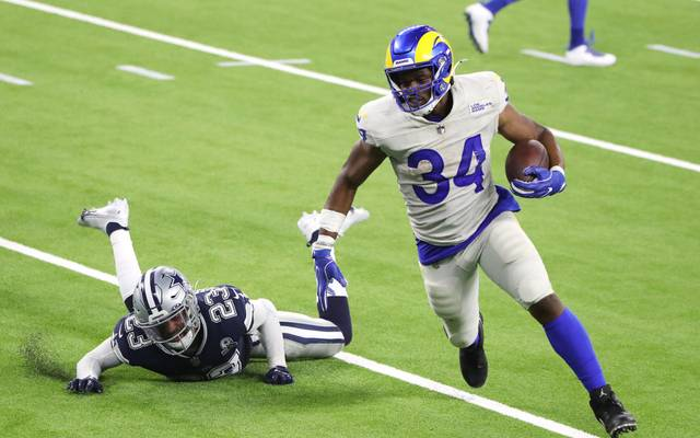 Malcolm Brown (r.) von den Los Angeles Rams avancierte gegen die Dallas Cowboys zum überragenden Spieler