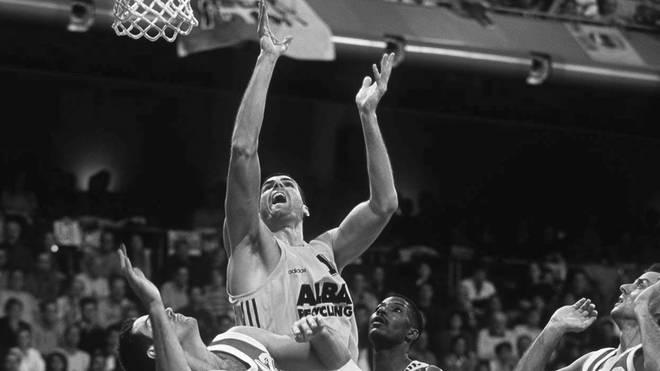 Ex-Basketballer Sascha Hupmann (wirft) verstarb im Alter von 49 Jahren