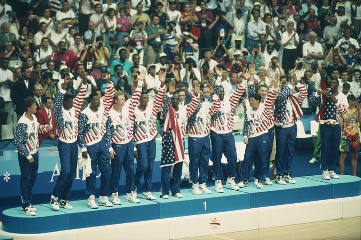 """Es ist das legendärste Team der Sportgeschichte: Vor 27 Jahren gewannen die USA - wie erwartet - die Basketball-Goldmedaille bei den Olympischen Spielen in Barcelona. Die Mannschaft ging als """"Dream Team"""" in die Geschichte ein. Nie zuvor oder danach vereinte eine Mannschaft mehr individuelles Talent"""