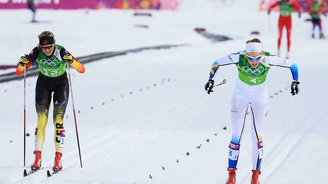 Stina Nilsson (r.) und Denise Herrmann (l.) werden sich bald beim Biathlon wiedertreffen