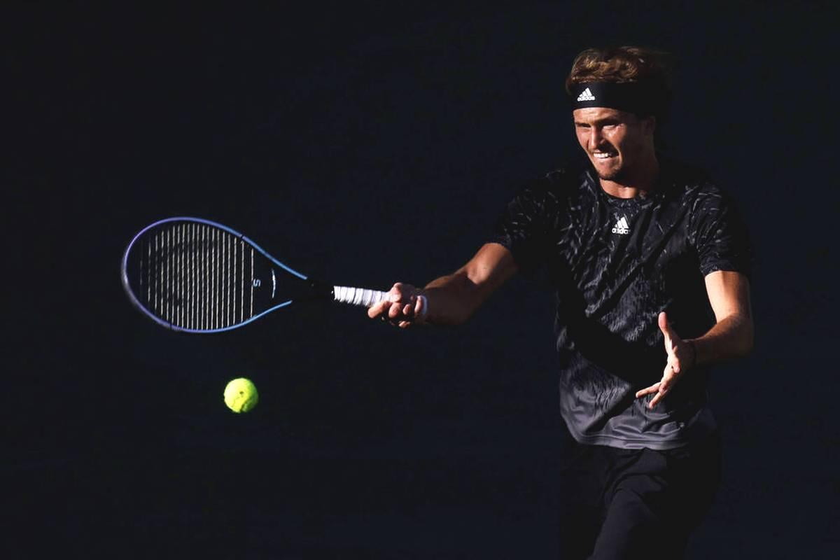 Alexander Zverev scheitert beim Masters von Indian Wells an den eigenen Nerven. Das deutsche Tennis-Ass gibt einen sicher geglaubten Sieg noch her.