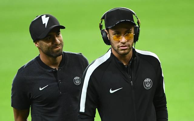 Neymar bedauert den Abgang von Lucas Moura (l.)