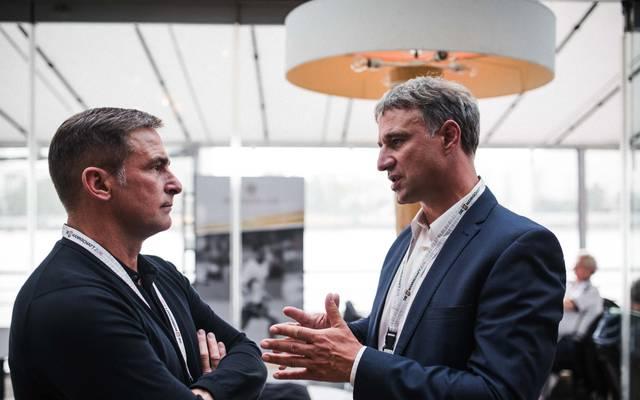 Marco Bode hat kein Interesse am Posten des DFB-Präsidenten, Marco Bode (rechts) im Gespräch mit U21-Trainer Stefan Kunz