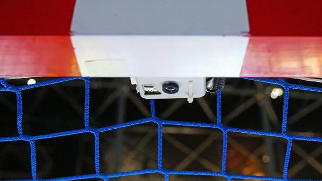 Die von einer französischen Firma hergestellte Torlinienkamera kam zuvor nur im Europapokal zum Einsatz