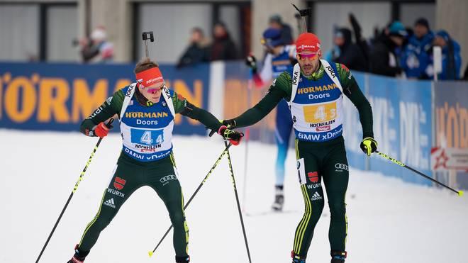 Arnd Peiffer (r.) und Benedikt Doll gehen mit der deutschen Staffel in Oberhof an den Start