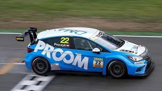Opel-Fahrer Harald Proczyk setzte sich am Freitag im Zeittraining durch