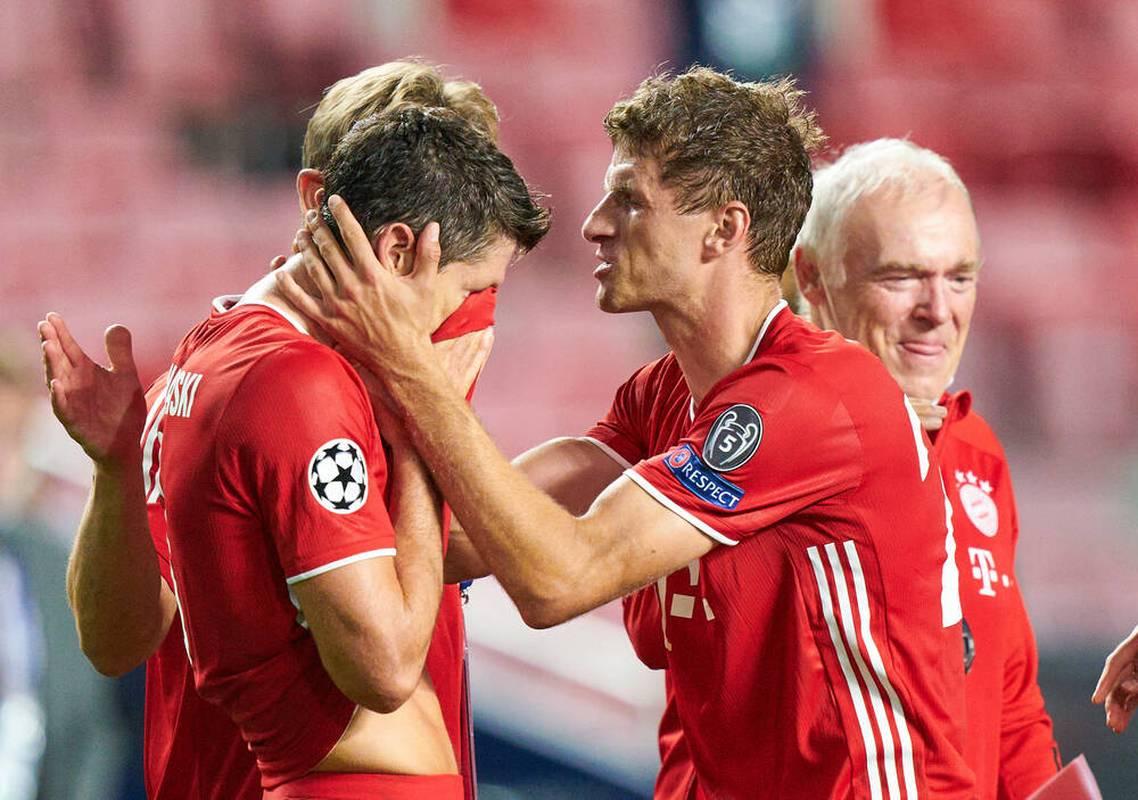 FC Bayern: Robert Lewandowski erklärt Tränen und nennt Weltfußballer-Favorit