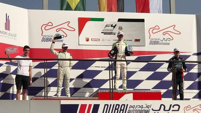 David Schumacher freut sich über seinen ersten Sieg in der Formel 4 UAE