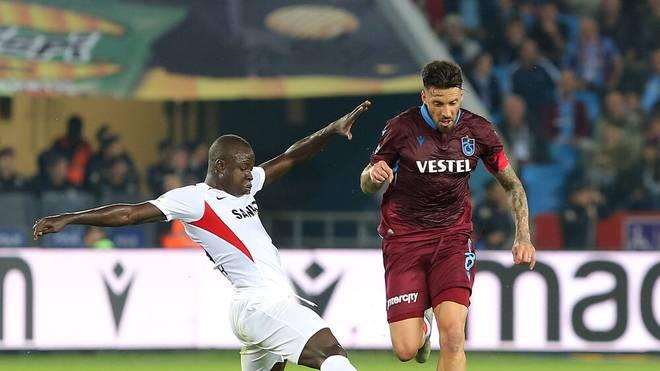Raman Chibsah (l.) spielte zuletzt für Gazisehir Gaziantepspor