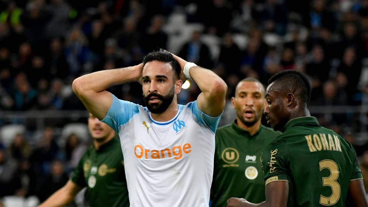 Eine Ablöse für den 33 Jahre alten Innenverteidiger, der bei der WM 2018 keine Einsatzminute bekam, brauchten die Istanbuler bei erfolgreicher Verhandlung nicht zahlen, da Ramis Ex-Klub Olympique Marseille den Vertrag mit dem Franzosen aus disziplinarischen Gründen aufgelöst hatte