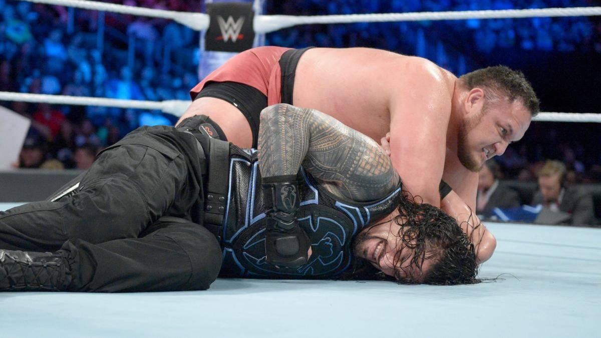 Bei WWE Backlash 2018 geriet das Match zwischen Roman Reigns (u.) und Samoa Joe zum Desaster
