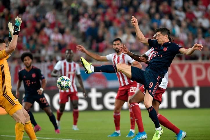Der FC Bayern rettet einen glücklichen 3:2-Sieg bei Olympiakos Piräus, vor allem zwei Akteure liefern aber eine schwache Leistung ab. SPORT1 checkt die Bayern in der Einzelkritik