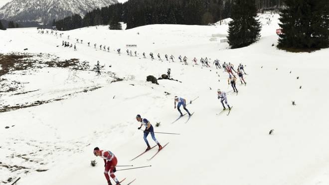 Alexander Bolschunow gewinnt das 15-km-Massenstartrennen