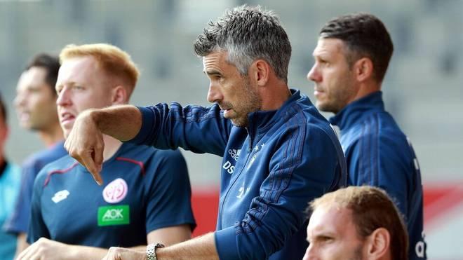 Danny Schwarz (m.) hat gemeinsam mit Demichelis die zweite Mannschaft der Bayern übernommen