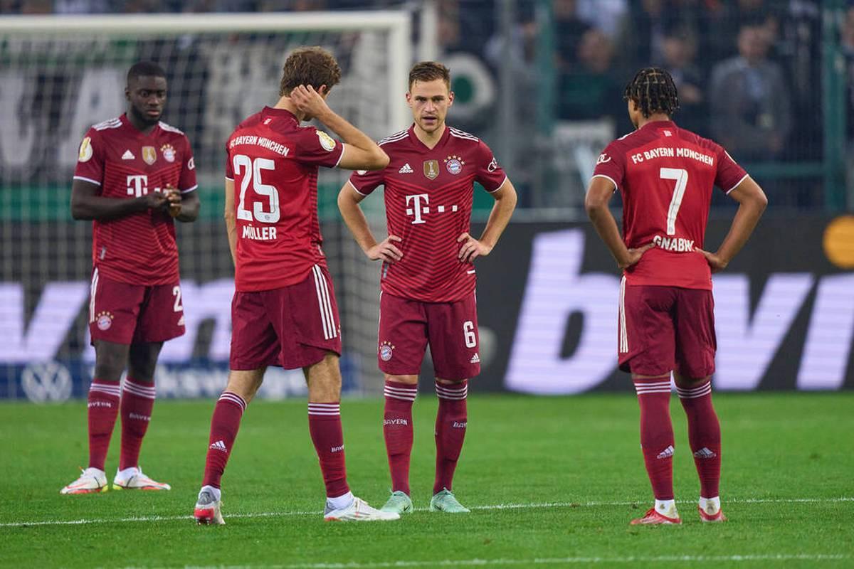 Der FC Bayern kassiert im Pokal bei Borussia Mönchengladbach eine historische Klatsche. Julian Nagelsmann schaut aus dem Home office zu. Dayot Upamecano steht komplett neben sich.