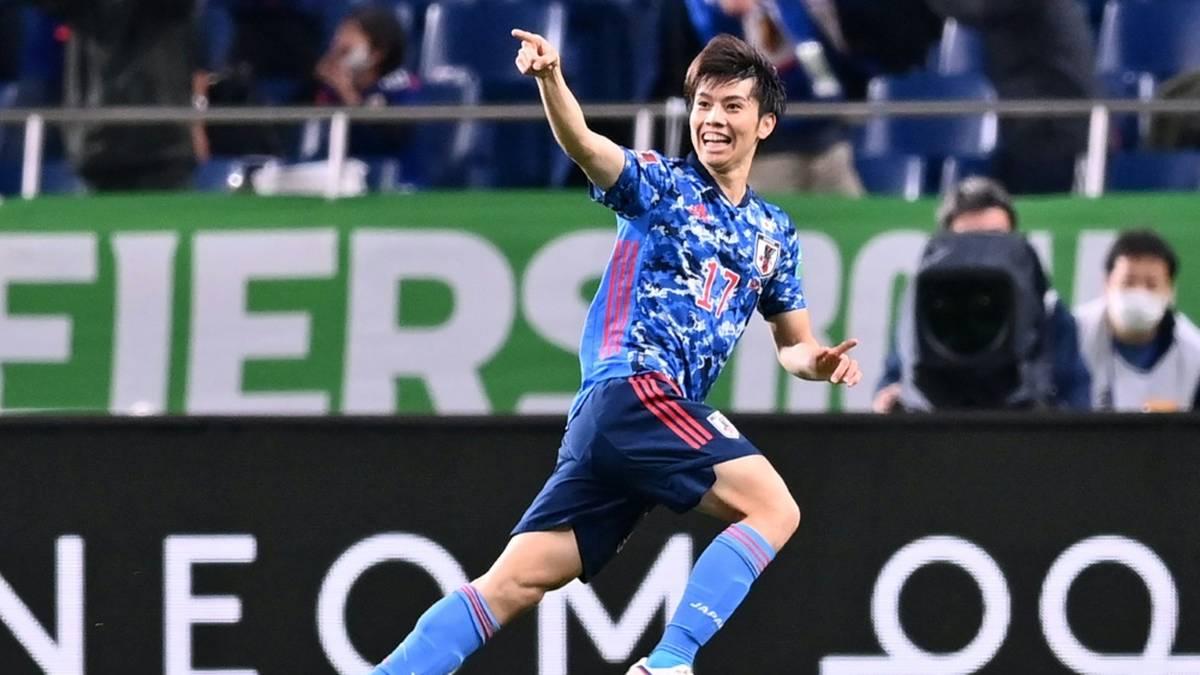 Ao Tanaka von Fortuna Düsseldorf jubelt über das 1:0