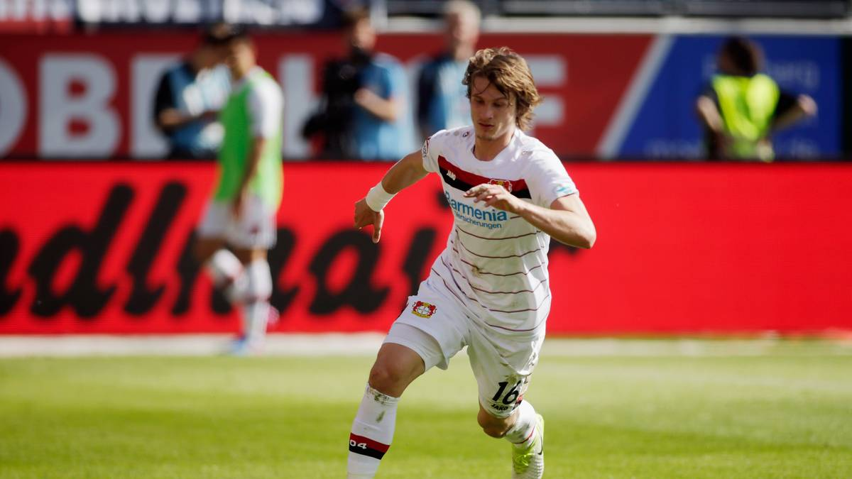 Leverkusens Tin Jedvaj feierte nach über dreimonatiger Verletzungspause sein Comeback