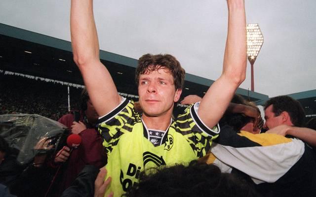 Andreas Möller im Meister-Trikot von Borussia Dortmund 1995