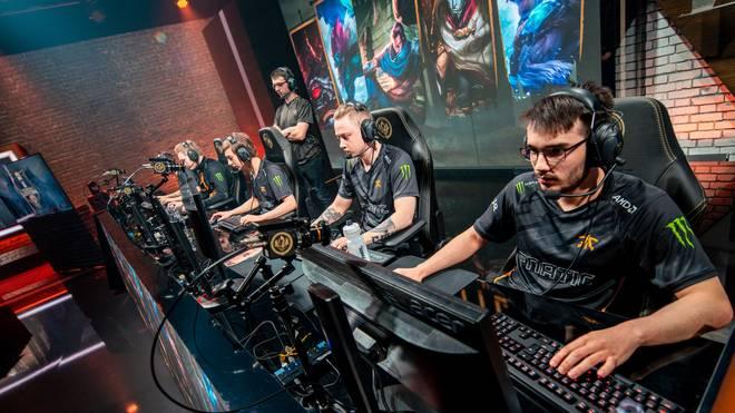 Fnatic spielt um die Finalteilnahme des Mid-Season Invitationals in Paris