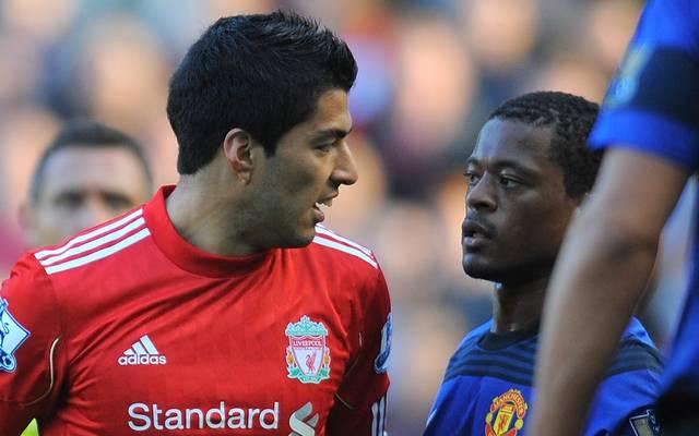 Luis Suarez und Patrice Evra gerieten mehrfach aneinander, bevor es zu den rassistischen Aussagen gekommen sein soll