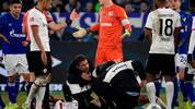 Schalke's German goalkeeper Alexander Nuebel (C) argues with the Referee Felix Zwayer after beeing shown a red card during the German first division Bundesliga football match Schalke 04 v Eintracht Frankfurt in Gelsenkirchen, on December 15, 2019. (Photo by INA FASSBENDER / AFP) (Photo by INA FASSBENDER/AFP via Getty Images)