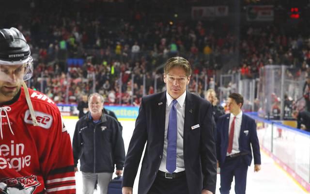 Uwe Krupp soll die Kölner Haie in die Erfolgsspur führen - doch aktuell kämpft das Team gegen das Aus