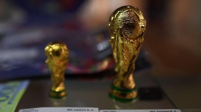 In Repliken des WM-Pokals wurden Drogen gefunden