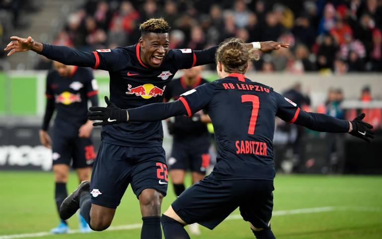 Mit 33 Punkten aus 15 Spielen steht RB Leipzig kurz vor der ersten Herbstmeisterschaft in der Bundesliga. Doch bevor sich die Sachsen am Samstag mit dem Spiel gegen den FC Augsburg in die Winterpause verabschieden, wartet am Dienstag noch ein echter Härtetest auf die Mannschaft von Julian Nagelsmann
