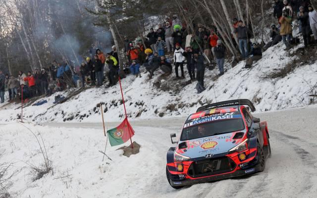 Thierry Neuville fährt bei der Rallye Monte Carlo zum Sieg