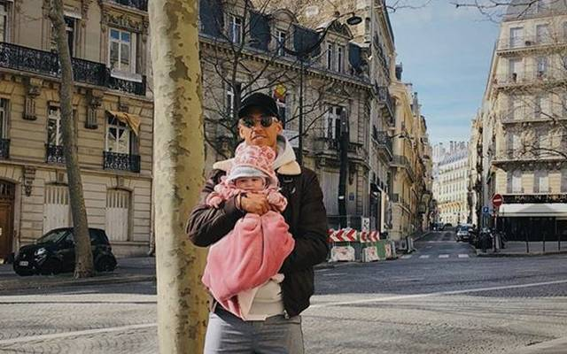 Thilo Kehrer darf sich über die Geburt von Töchterchen Nala freuen