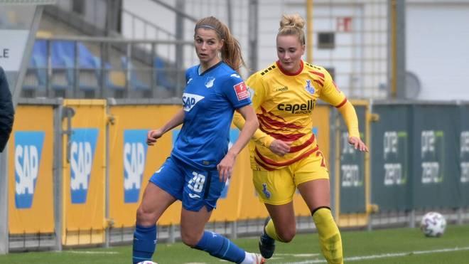 Tabea Waßmuth (l.) wechselt von der TSG Hoffenheim zum VfL Wolfsburg