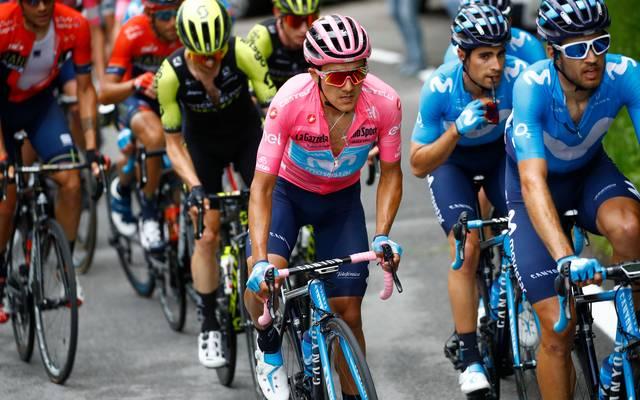 Richard Carapaz verteidigte auf der 15. Etappe das Rosa Trikot