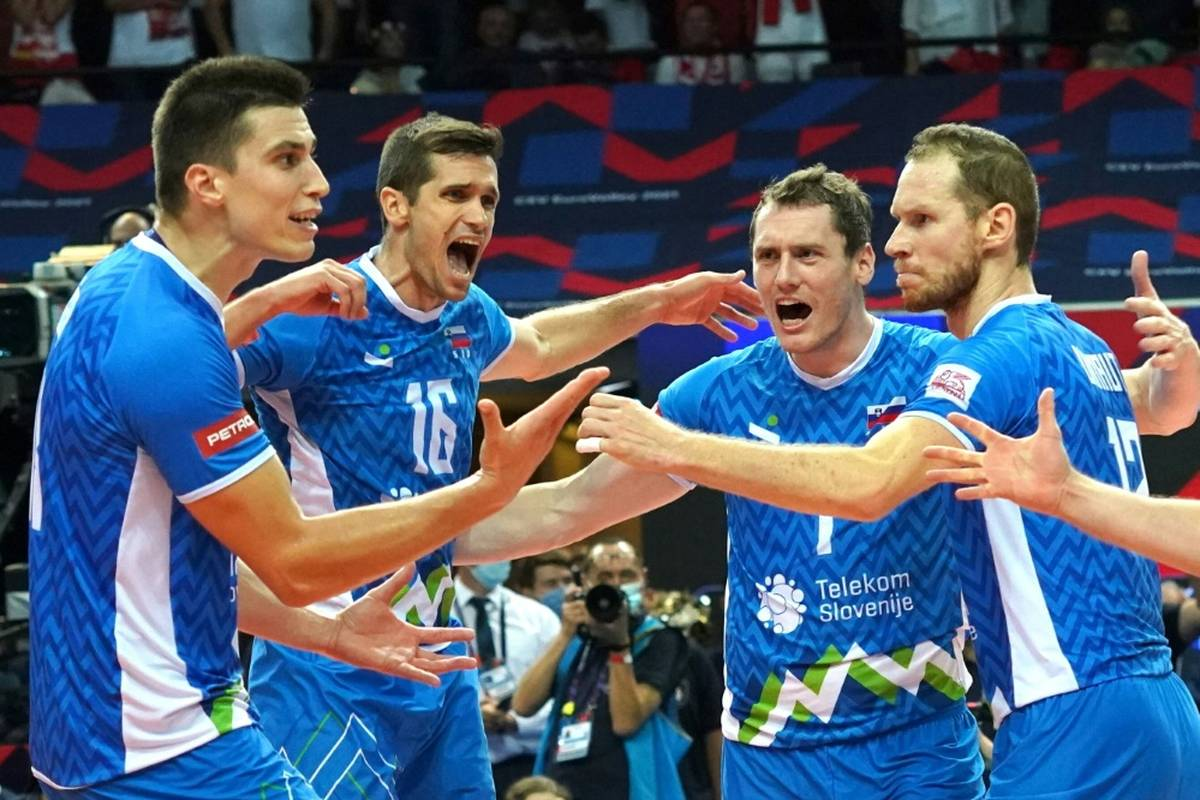 Das Finale der Volleyball-EM ist komplett. Slowenien folgt Topfavorit Italien ins Endspiel.