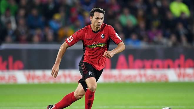 SC Freiburg: Trainer Christian Streich schreibt Nicolas Höfler (Bild) für den Rest der Saison ab