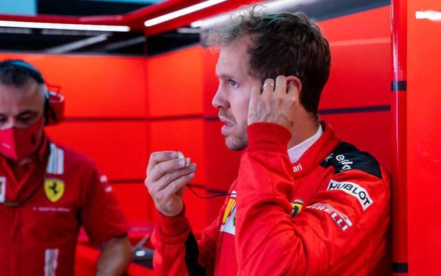 Sebastian Vettel (r.) findet er hat seine Ziele bei Ferrari nicht erreicht.